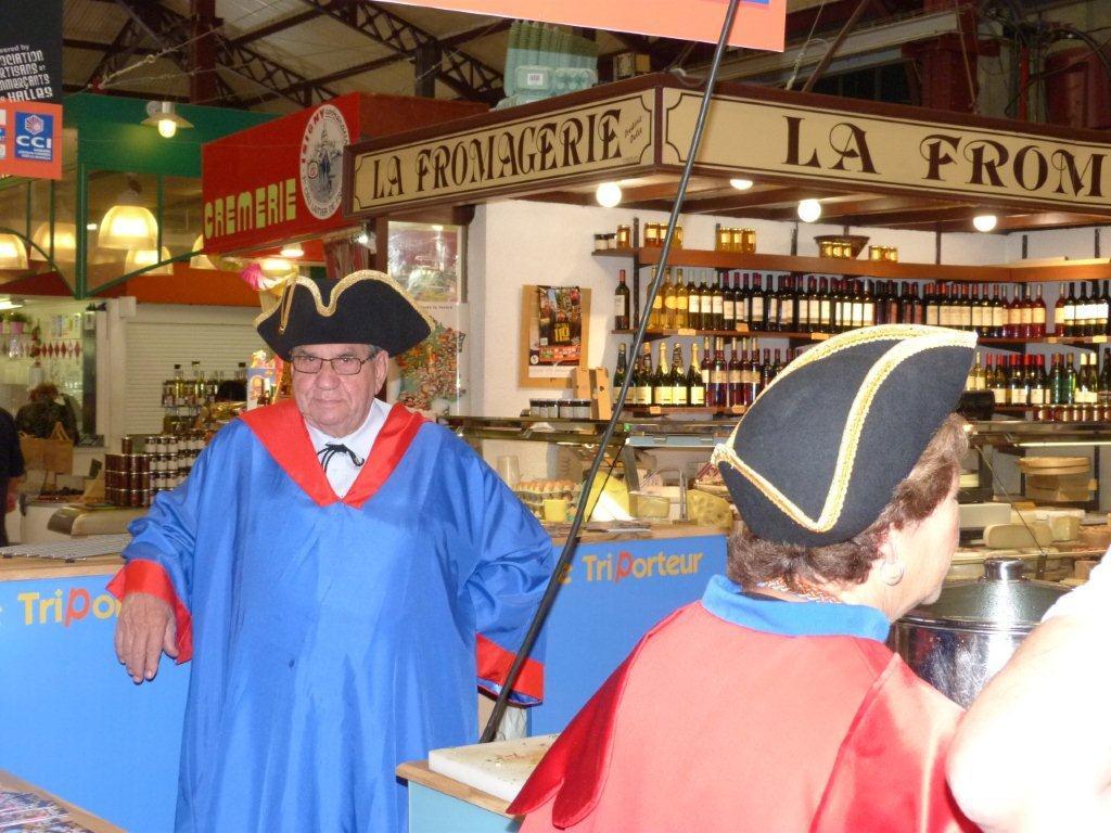 110ans-halles-narbonne-bourride-anguilles-22-sept-2011-02
