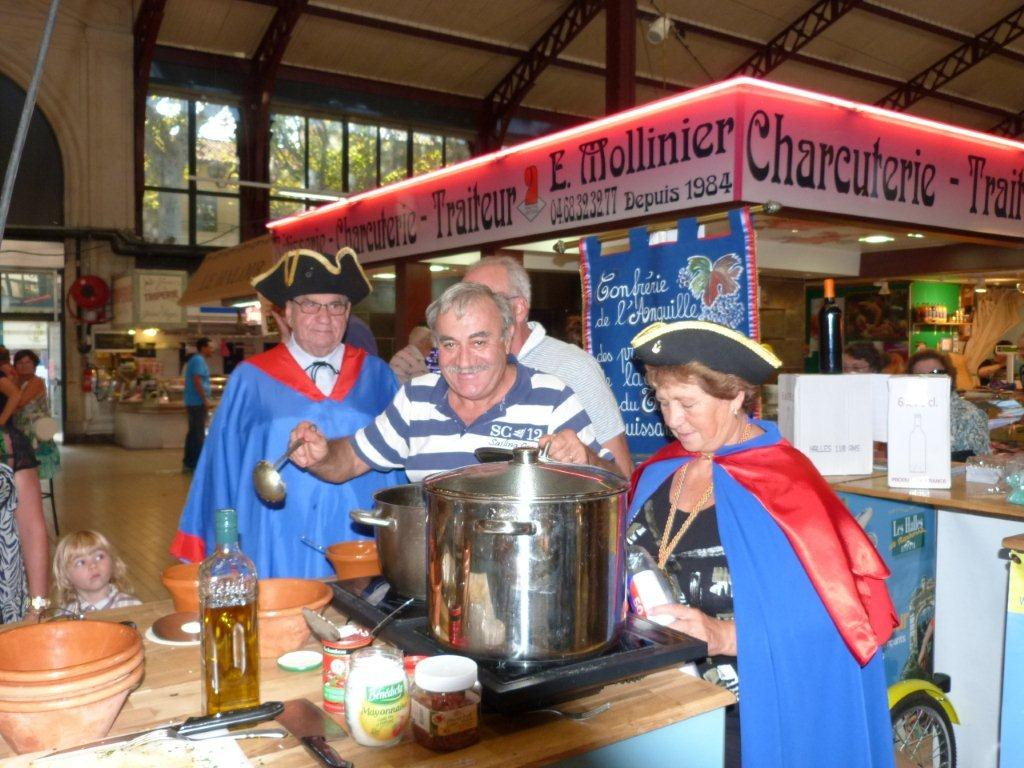 110ans-halles-narbonne-bourride-anguilles-22-sept-2011-03
