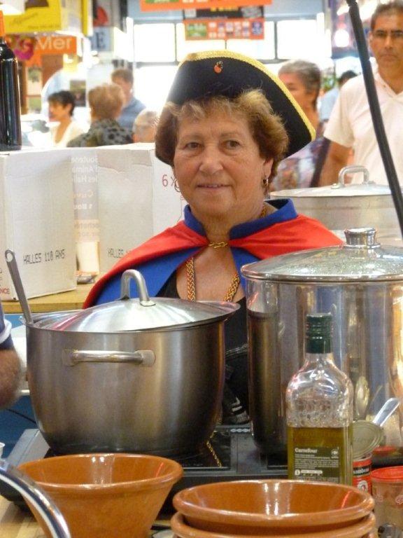110ans-halles-narbonne-bourride-anguilles-22-sept-2011-07