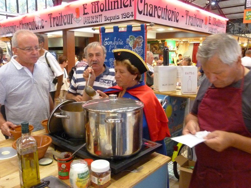 110ans-halles-narbonne-bourride-anguilles-22-sept-2011-09