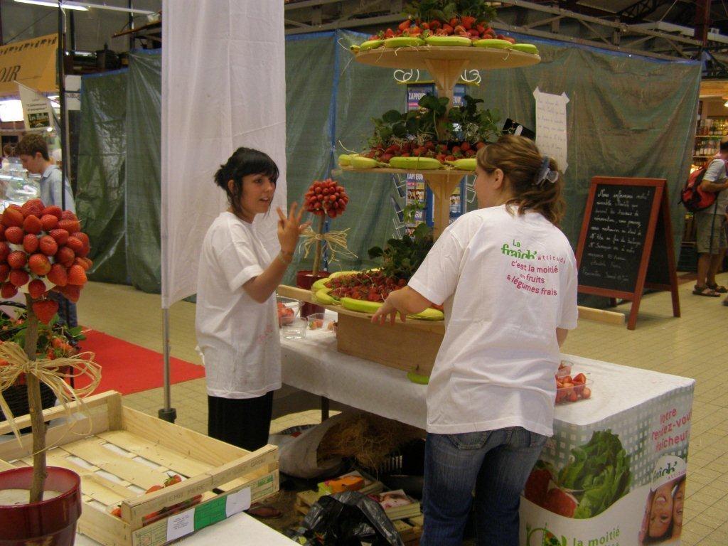 halles-narbonne-festival-fraise-2010-et-babyfoot (11)