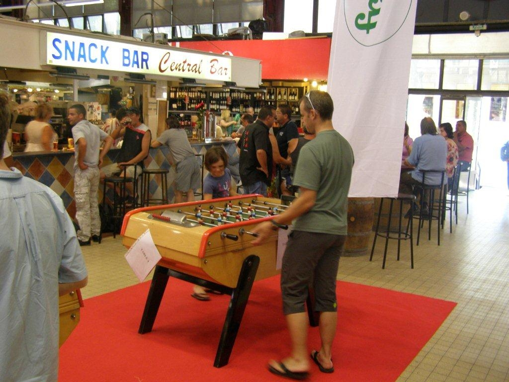 halles-narbonne-festival-fraise-2010-et-babyfoot (13)