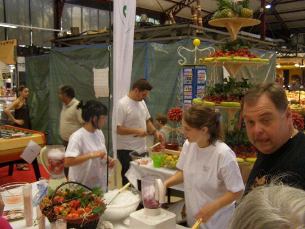 halles-narbonne-festival-fraise-2010-et-babyfoot (20)