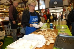 halles_narbonne_animation_fromages_haloir_laine_gandolf_oules_combebelle_les_chamoises_grillotins_chevre-22-04-16-01