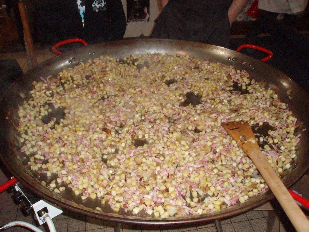 omelette paques halles de narbonne 2009 (3)