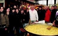 omelette paques halles de narbonne 2009 (1)