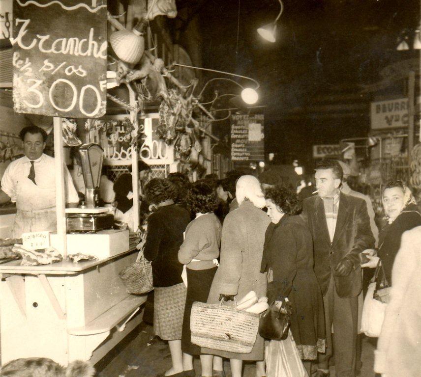 Scene interieure halles de Narbonne Boucherie Maillet-1955-1964