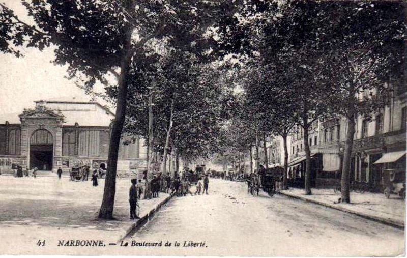 facade arriere exterieure halles de Narbonne vers 1910 C