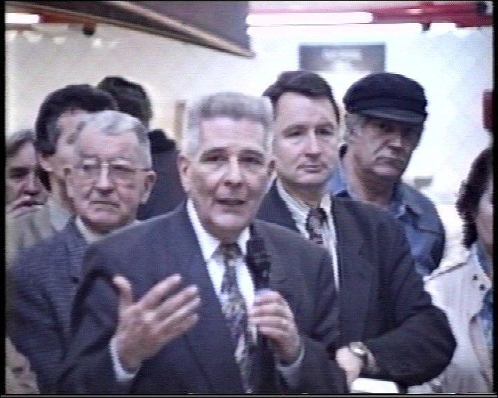 les halles inaugurees par le Maire Me Hubert MOULY