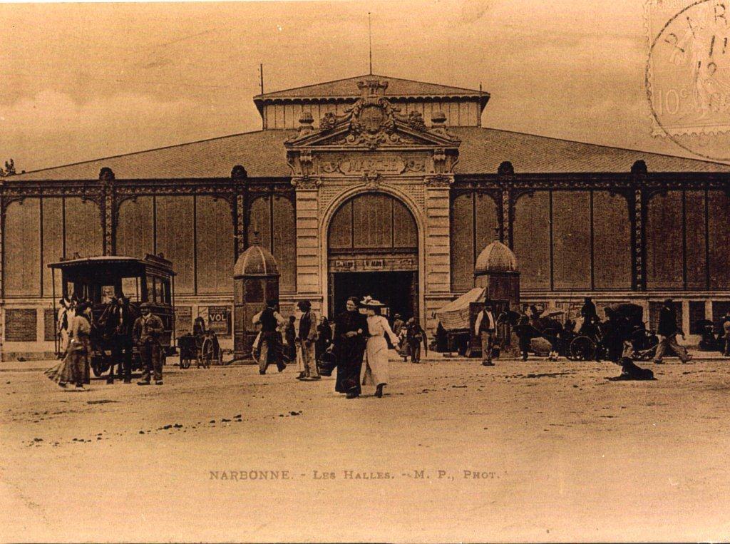 facade exterieure halles de Narbonne vers 1917