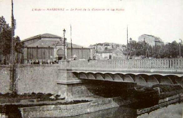 facade exterieure halles de Narbonne vers 1920 pont concorde