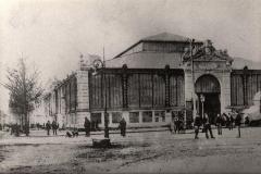 facade exterieure halles de Narbonne vers 1910
