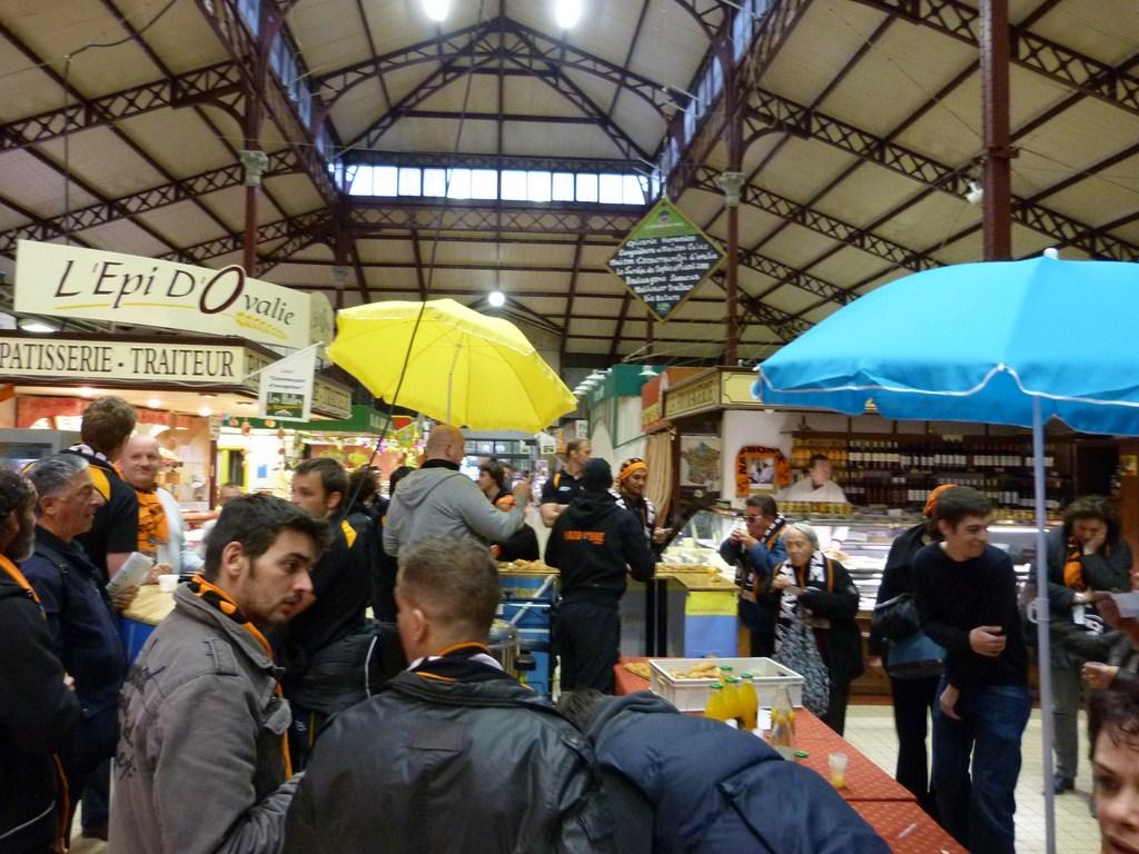 rcnm_petit_dejeuner_lancement_saison_echarpes_halles_narbonne_2012-14