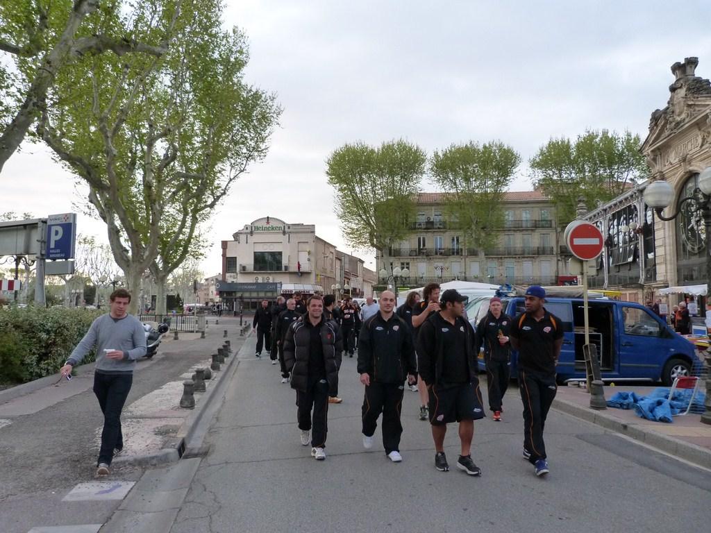 rcnm_petit_dejeuner_lancement_saison_echarpes_halles_narbonne_2012-23