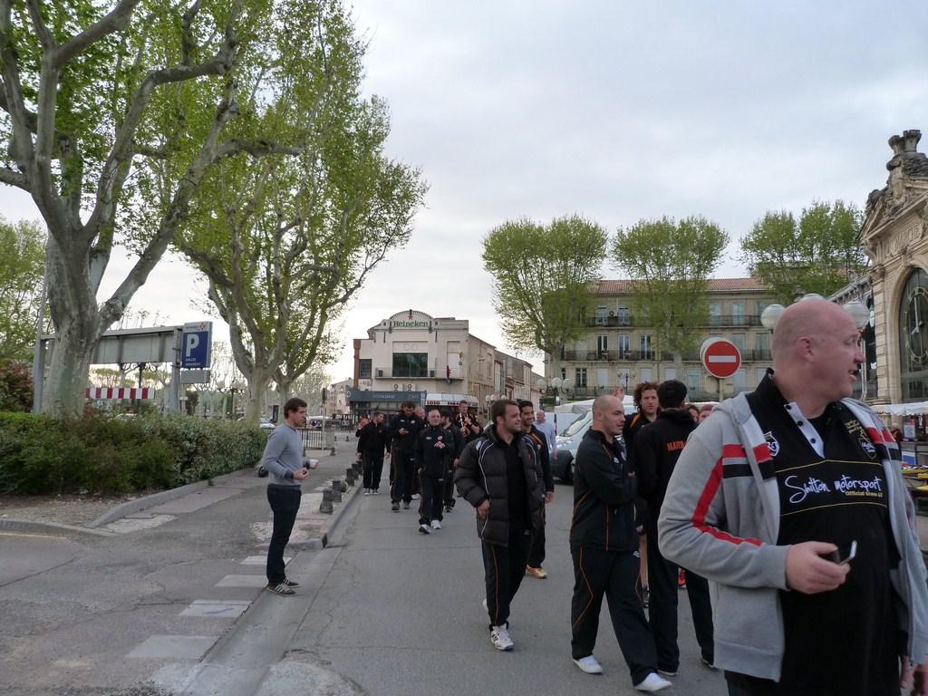 rcnm_petit_dejeuner_lancement_saison_echarpes_halles_narbonne_2012-24
