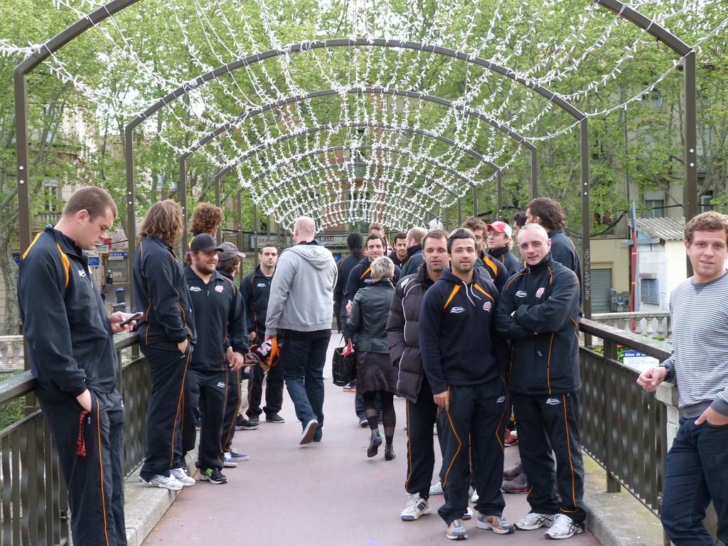 rcnm_petit_dejeuner_lancement_saison_echarpes_halles_narbonne_2012-32