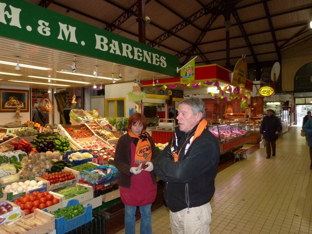rcnm_petit_dejeuner_lancement_saison_echarpes_halles_narbonne_2012-58