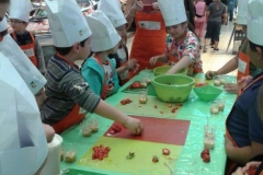 halles_narbonne_interfel_fruits_legumes_enfants_ecole_arago_27-28_mai_2014-11