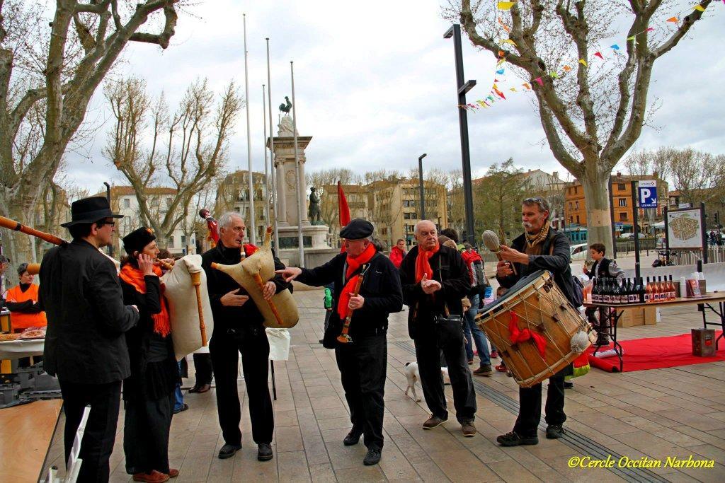 les_halles_de_narbonne_calçotade_calçotada_derby_rcnm_usap_cercle_occitan-83