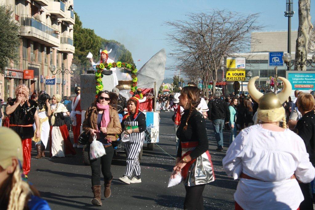 carnaval-animation-halles-narbonne-2011-09