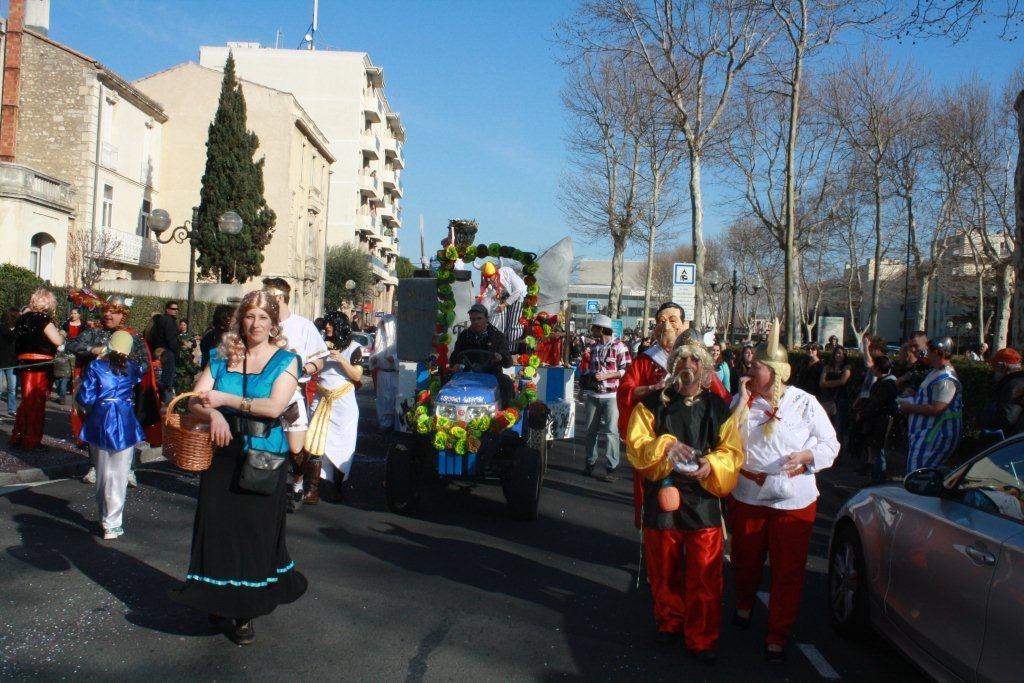 carnaval-animation-halles-narbonne-2011-11