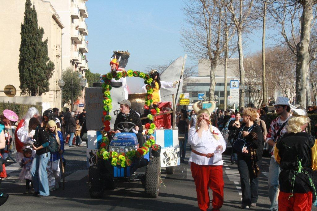 carnaval-animation-halles-narbonne-2011-12