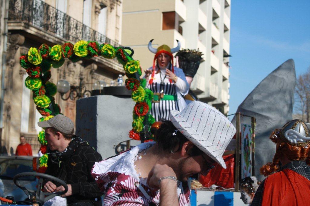 carnaval-animation-halles-narbonne-2011-23