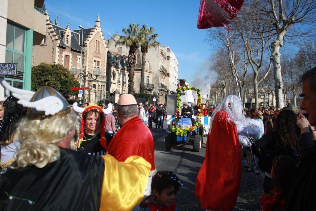 carnaval-animation-halles-narbonne-2011-29