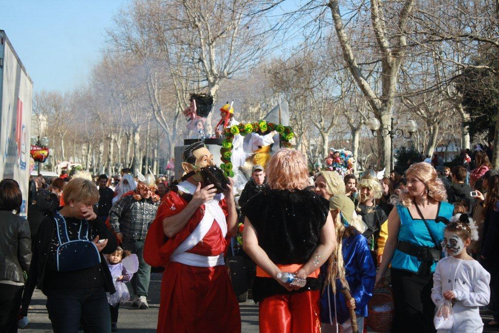 carnaval-animation-halles-narbonne-2011-30