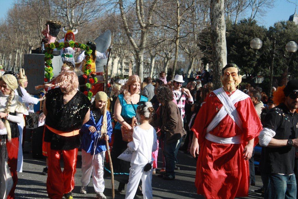 carnaval-animation-halles-narbonne-2011-31
