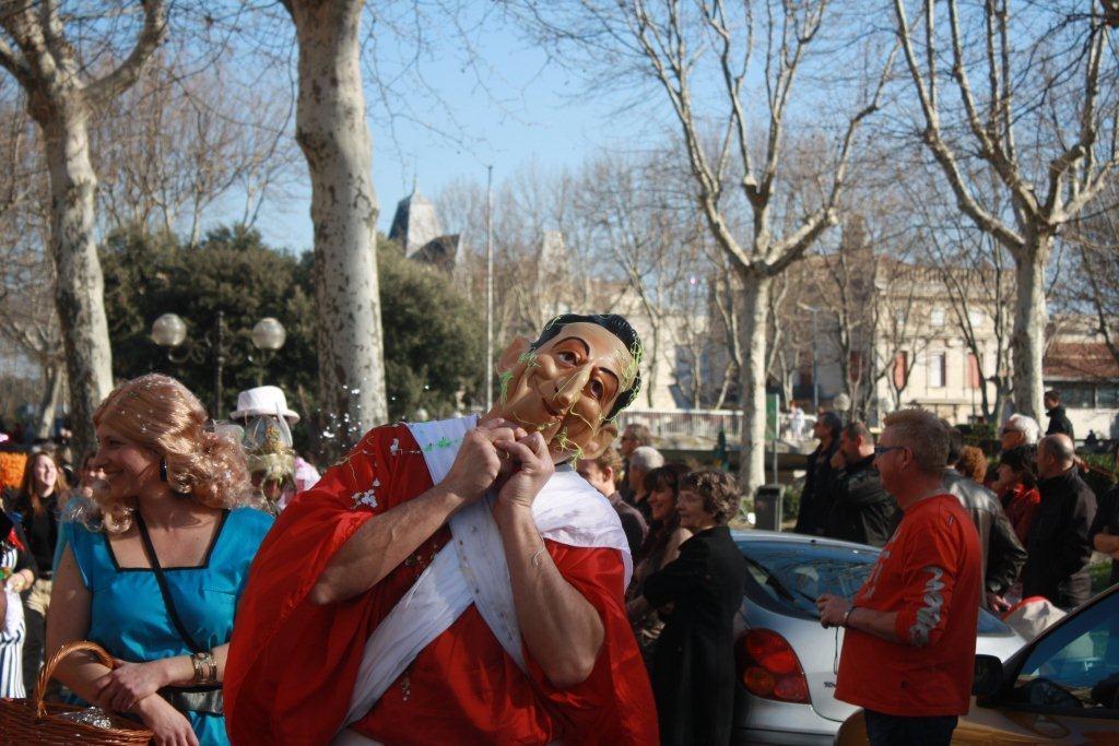 carnaval-animation-halles-narbonne-2011-33