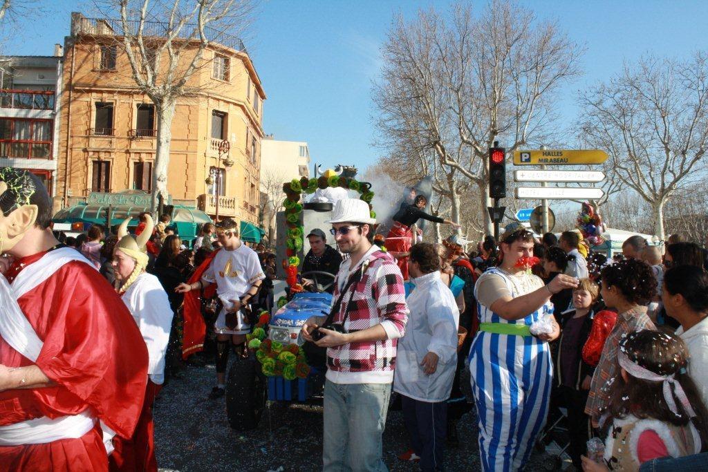 carnaval-animation-halles-narbonne-2011-38