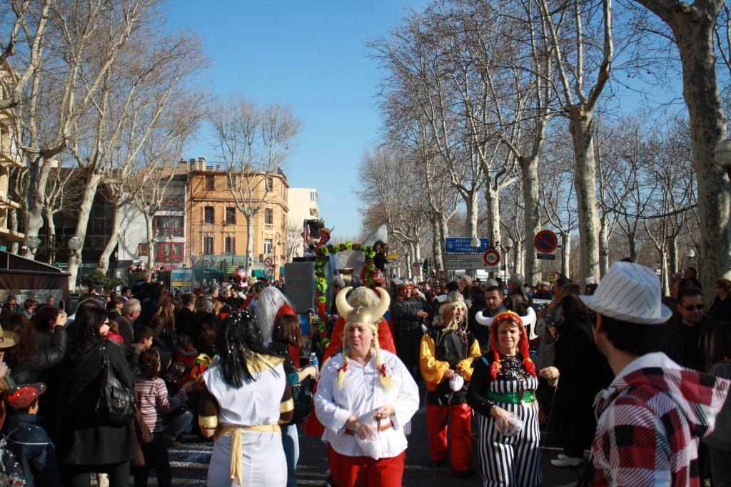 carnaval-animation-halles-narbonne-2011-40