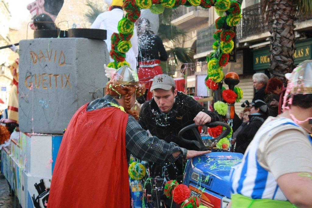 carnaval-animation-halles-narbonne-2011-50