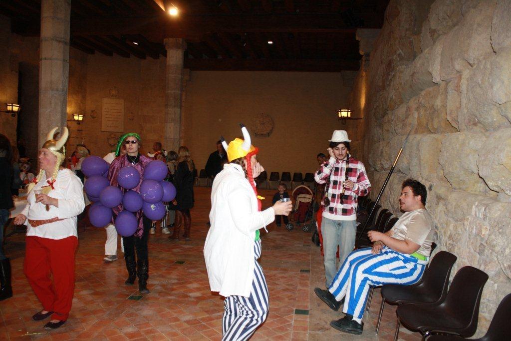 carnaval-animation-halles-narbonne-2011-60