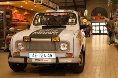 4L-trophy-2011-halles-narbonne-06