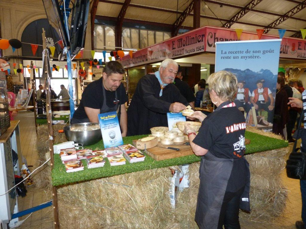 halles_narbonne_animation_fromage_isigny_camembert_beurre-18