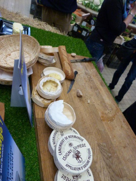 halles_narbonne_animation_fromage_isigny_camembert_beurre-7