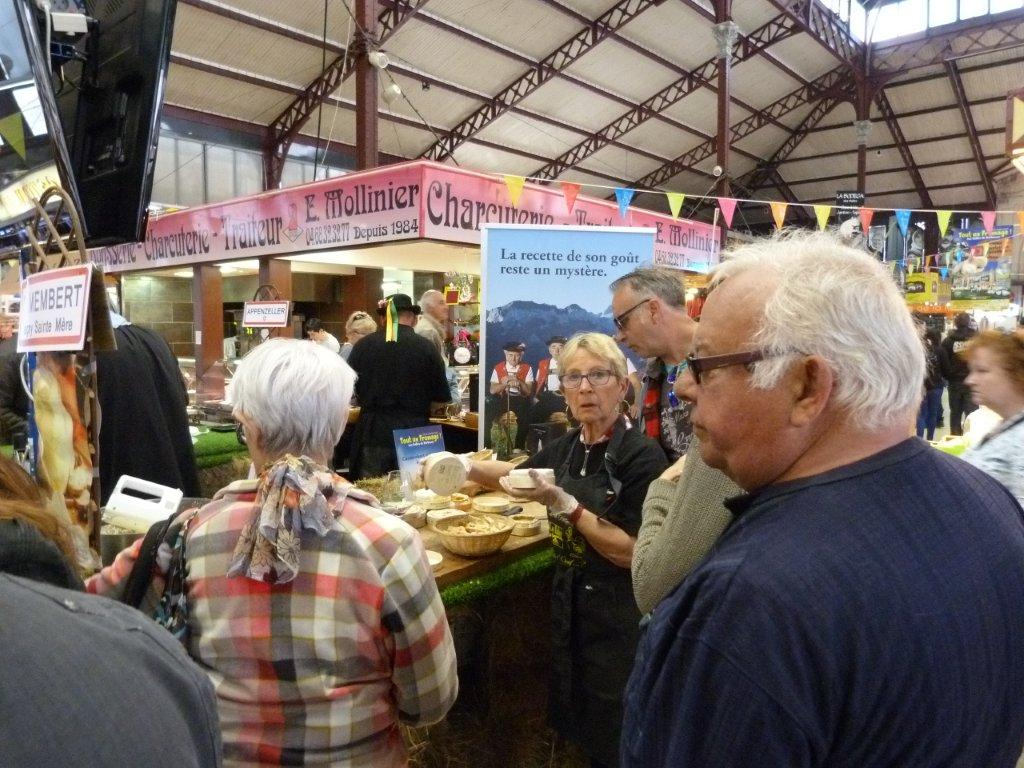 halles_narbonne_animation_fromage_isigny_camembert_beurre-8