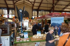 halles_narbonne_animation_fromage_isigny_camembert_beurre-13