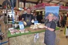 halles_narbonne_animation_fromage_isigny_camembert_beurre-16