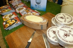 halles_narbonne_animation_fromage_isigny_camembert_beurre-19