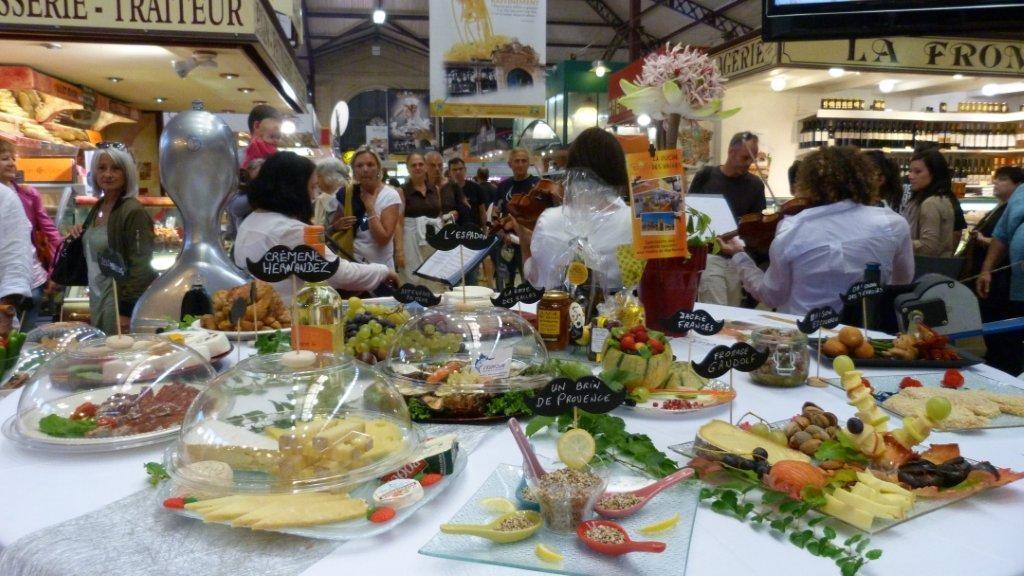 halles_narbonne_fete_de_la_gastronomie_gastronomissimes_buffet_violons_quatuor_en_cevennes_24-09-2017-15
