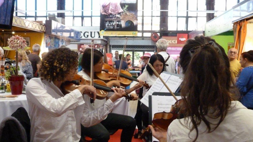 halles_narbonne_fete_de_la_gastronomie_gastronomissimes_buffet_violons_quatuor_en_cevennes_24-09-2017-28