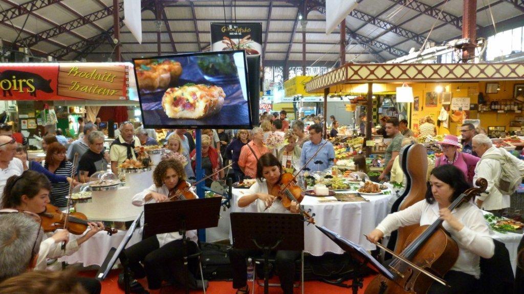 halles_narbonne_fete_de_la_gastronomie_gastronomissimes_buffet_violons_quatuor_en_cevennes_24-09-2017-30