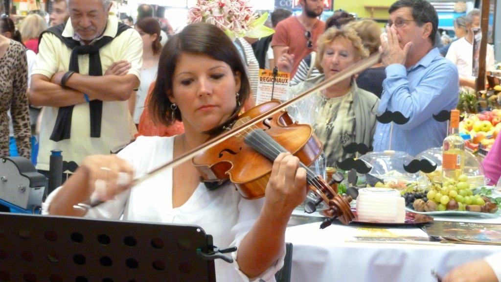 halles_narbonne_fete_de_la_gastronomie_gastronomissimes_buffet_violons_quatuor_en_cevennes_24-09-2017-32