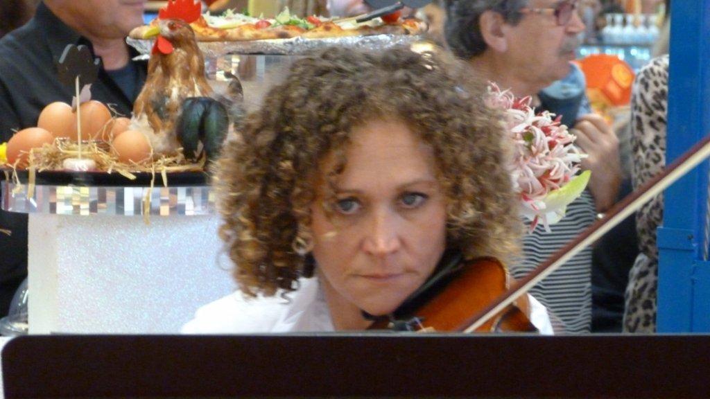 halles_narbonne_fete_de_la_gastronomie_gastronomissimes_buffet_violons_quatuor_en_cevennes_24-09-2017-35