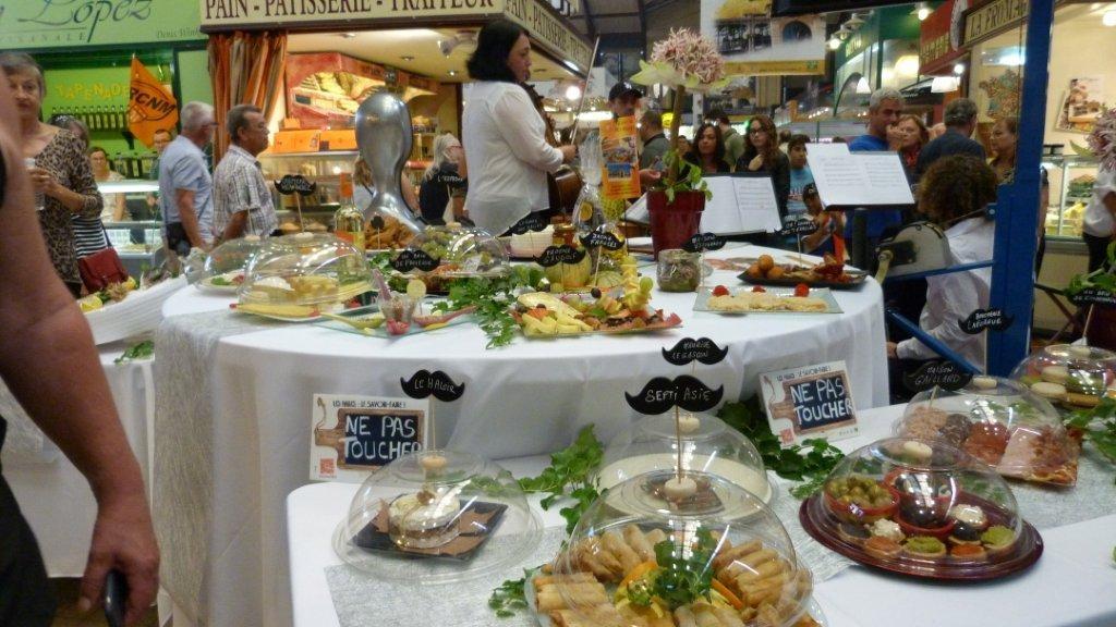 halles_narbonne_fete_de_la_gastronomie_gastronomissimes_buffet_violons_quatuor_en_cevennes_24-09-2017-41