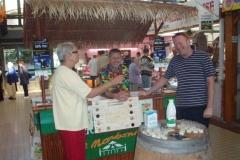 Halles narbonne journee slow food produits laitiers 2008 (9)