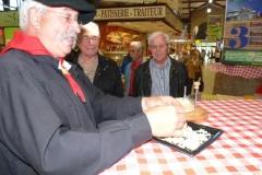 halles_narbonne_tout_un_fromage_cercle_occitan_la_clape_consulat_septimanie_24_mai_2014-04